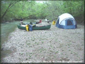 Gravel bar campsite below SH 2 bridge